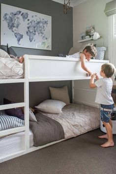 42 Fascinating Shared Kids Room Design Ideas - Planning a kid's bedroom design can be a lot of fun. It can also be a daunting task as you tackle the issue of storage and making things easy to clean. Shared Boys Rooms, Bunk Beds For Boys Room, Bunk Bed Rooms, Shared Bedrooms, Kid Beds, Boy Room, Loft Beds, Bunkbeds For Small Room, Small Bunk Beds
