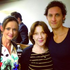 The actor has already a posted an adorable photo with Alexis Bledel. In this one, they're alongside the amazing Kelly Bishop! | This Selfie Of Rory Gilmore And Logan Huntzberger Will Make Your Heart Explode