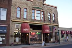 Luigi's Ristorante has such a beautiful storefront. Stop in for some amazing food!