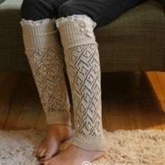 Cute winter boot socks!! Would love them in white or black instead though.