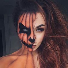 Want Halloween make-up that wow will? Then you need to try our 25 awesome Halloween make-up looks. You will find make-up that will fool the eye, anxiety and more. We have a design for everyone, Cool Halloween Makeup, Halloween 2018, Halloween Inspo, Halloween Makeup Looks, Cute Halloween, Halloween Pumpkin Makeup, Pumpkin Costume, Coolest Halloween Costumes, Black Hair Halloween Costumes