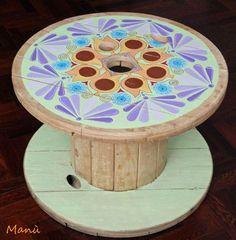 Tavolo proposto nel .blog di Manù e da lei dipinto ideale per il terrazzo al mare