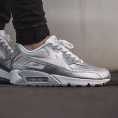 hot sale online 33903 61d3f Nike Air Max 90 Premium Ltr GS 724871-100 Silver Metallic White Youth Size  6 for sale online   eBay