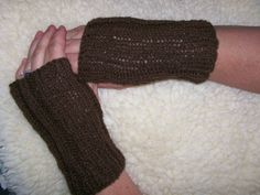 Easy Fingerless Gloves knitting pattern - PDF