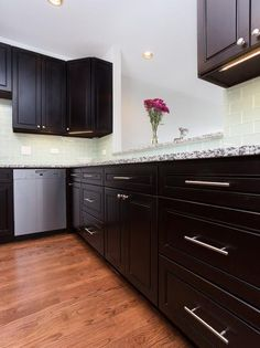 Amy's Kitchen, Kitchen Room Design, Kitchen Cabinets, Home Decor, Design Of Kitchen, Cuisine Design, Interior Design, Home Interior Design, Dressers