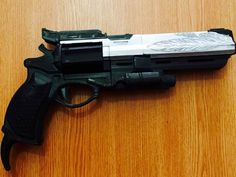 Hi! You are purchasing a 3d printed, already assembled gun Hawkmoon from world well-known game Destiny.    This hand cannon is 3d printed of PLA plastic, which is friendly to human, hand painted with acrylic and varnished.  Average time to make this gun is about 12-15 days.    This gun has movable cylinder and bullet inside.      Dimensions are: 40 cm length, 8 cm width and 23 cm height    If you have questions, dont hesitate to contact us.        #hawkmoon #destiny #hawkmoondestiny…