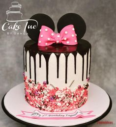 Minni Mouse Cake, Minnie Mouse Birthday Cakes, 4th Birthday Cakes, Mickey Birthday, Minnie Mouse Cake Pops, Birthday Ideas, Cakes Without Fondant, Bolo Minnie, Mickey And Minnie Cake