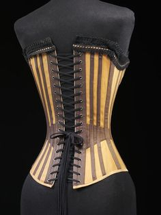1890, England or Germany - Corset - Cotton twill, machine-made cotton lace, lined with cotton twill, boned and metal