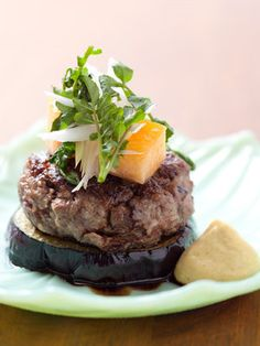 Hamburger on Kamonasu, a large round eggplant from Kyoto, Japan 賀茂なすとビーフパテのステーキ
