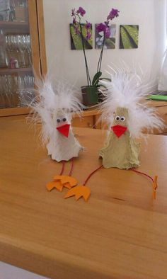 Kücken … Easter Crafts For Kids, Toddler Crafts, Fun Crafts, Diy And Crafts, Arts And Crafts, Paper Crafts, Discovery Day, Seasons Activities, Egg Carton Crafts