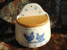Chicken salt box Ceramic Chicken, Salt Cellars, Sugar Bowls, Salt Box, Cream And Sugar, General Store, Kitchen Stuff, Spoons, Vintage Kitchen