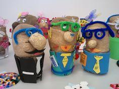 Graspoppetjes Diy For Kids, Crafts For Kids, Diy And Crafts, Arts And Crafts, Father's Day Diy, Fathers Day Crafts, School Hacks, Languages, Little Boys