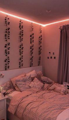 Cute Bedroom Decor, Room Design Bedroom, Teen Room Decor, Room Ideas Bedroom, Bedroom Inspo, Cool Bedroom Ideas, Cute Room Ideas, Indie Room Decor, Bedroom Picture Walls