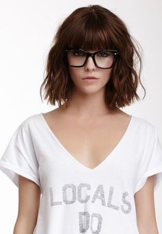 19 beautiful wavy hairstyles Bob with bangs Peinados de Bob 0 Mar 2018 Bob Hairstyles 0 Bob cuts one of the best short hair trends in And in this year we will find the best ideas of recent years and we will create this gallery for lovers of wavy hair … Full Fringe Hairstyles, Bob Hairstyles With Bangs, Short Hairstyles For Women, Amazing Hairstyles, Glasses Hairstyles, Bob Haircuts, Lob Hair With Bangs, Bob With Fringe Bangs, Lob Bangs