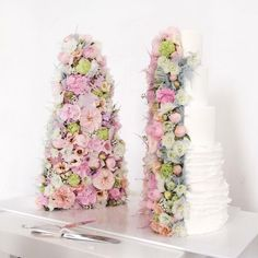 Gorgeous floral inside cake ♥