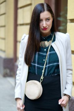 combining cheeky blouse with sophisticated trench creates a stylish look for everyone. Also add a statement-necklace and purse. My Outfit, Saddle Bags, Trench, Chloe, Bomber Jacket, Purses, Stylish, Blouse, My Style