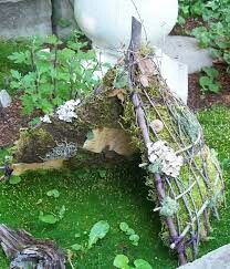 Little fairy tent made by sticks. No instructions on this, but it sure is cute.