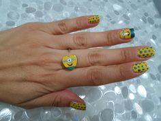 Nail Art Minions con anello Ringbow