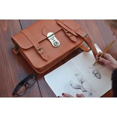 L.A Caramel Leather Satchel from the Confidential Collection www.grafea.com #그라페아 #사첼백 #가죽 #카라멜 #빈티지