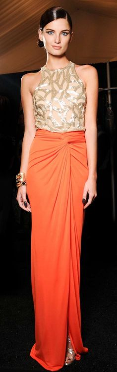 A stunning tangerine wrap skirt, with nude and gold shimmering embroidered torso. Beautiful Gowns, Beautiful Outfits, Naeem Khan, Orange Fashion, Look Chic, Dress To Impress, Designer Dresses, Evening Dresses, Prom Dresses