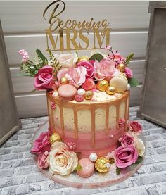 I think Mrs M chose such a gorgeous design for me to re-create for her Bridal Shower! An Abundance of Pink is what I will call this cake… Bithday Cake, 21st Birthday Cakes, Birthday Ideas, Cake Decorating Courses, Creative Cake Decorating, Beautiful Birthday Cakes, Beautiful Cakes, Fancy Cakes, Cute Cakes