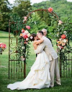 Portail en fer forgé pour un décor de cérémonie de mariage