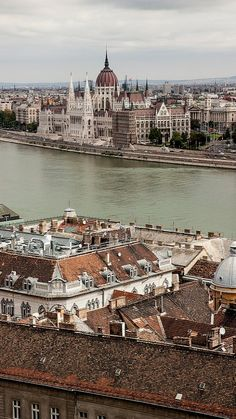 Budapest, Hungary (by svleusden on Flickr)