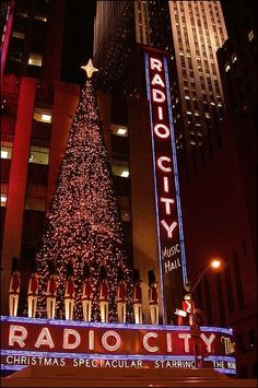 New York Discover Radio City Christmas lights There is nothing like Manhattan at Christmas. The tree at Rockefeller Center and the Christmas Show at Radio City Music Hall featuring the Rockettes are two attractions. New York Christmas, Christmas Time, Merry Christmas, Xmas, Christmas In The City, Christmas Markets, Christmas Decor, Rockefeller Center, New York Noel