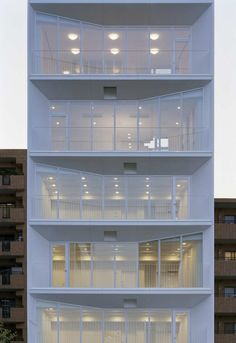 white smart facade modern and fine elevation Ebi / yHa architects+ L design Architecture Du Japon, Japanese Architecture, Facade Architecture, Amazing Architecture, Contemporary Architecture, Installation Architecture, Residential Architecture, Building Exterior, Building Facade