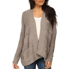 I loved the details of this cardigan!