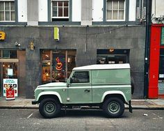A #Landrover #Defender spotted in #dublin by @parkedindublin #landrover #defender90 #landroverphotoalbum @landrover @landrover_uk