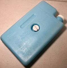 Vintage GOTT Refreeze Refillable Beverage Bottle 8280 Large Replacement Ice Pack #GOTT Bpa Free Water Bottles, Water Coolers, Ice Pack, Lunch Tote, Camping Stuff, Drink Holder, Selling On Ebay, Outdoors, Amazon