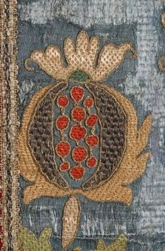 60 ideas for embroidery love fabrics Embroidery Fabric, Fabric Art, Embroidery Stitches, Embroidery Patterns, Embroidery Digitizing, Embroidery Scissors, Medieval Embroidery, Motif Floral, Textile Artists