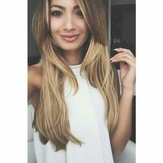 I want her hair! Youtuber, Youtube Stars, Blonde Beauty, Her Hair, Long Hair Styles, Portrait, Pretty, Beautiful, Hairstyles