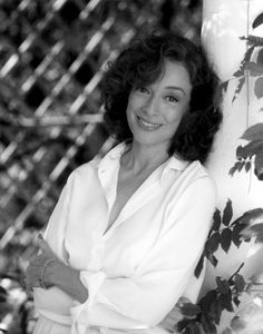 Dixie Carter and those Designing Woman. Loved her and the show. Dixie Carter, Delta Burke, People Of Interest, Iconic Women, Golden Girls, Celebs, Celebrities, We The People, Designing Women