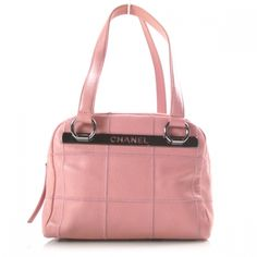 9845cf40d914 This is an authentic CHANEL Caviar Square Stitched Satchel Pink. This fine  satchel is beautifully