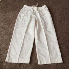 """Liz Claiborne Size 12 Pants Off - White ,zipper button closure plus tie belt.side pocket ,and one rear pocket.26.5 """" inseam. Liz Claiborne Pants Trousers"""
