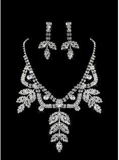 ensemble de bijoux de perles blanches deux dames de la nature des pièces (45 cm)(011005858)