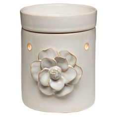 Amala Scentsy Warmer PREMIUM    A single, moon-white flower blooms from the heart of Amala, proving that the simplest decoration can be the most beautiful.     Your Price: $30.00