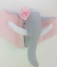Trophée princesse éléphant avec sa fleur en tissu : Décoration pour enfants par 1-2-3-picoti