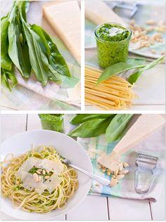 Selbst gemachtes Bärlauchpesto mit Mandeln und Pinienkernen