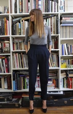high waisted | pleats | grey + blue | exposed ankles | rolled up sleeve to 3/4 = A+++