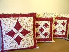 - fotoalba ulivatelu - D? Easy Sewing Projects, Quilting Projects, Quilting Designs, Cathedral Window Quilts, Cathedral Windows, Applique Cushions, Sewing Pillows, Colchas Quilting, Fabric Manipulation Techniques