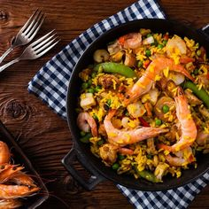 There are low-cost, easy-to-make recipes here for everything from basic roast chicken and ribs to shrimp paella and tofu stir-fry. One Dish Dinners, Easy Weeknight Dinners, Shrimp Recipes, New Recipes, Paella Pan, Tofu Stir Fry, Recipe T, Easy Food To Make, Seafood Dishes