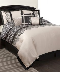Gray & Black Isa Comforter Set