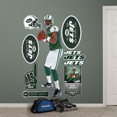 Geno Smith, New York Jets.let's hope he can have a breakout year. Jets Football, Football And Basketball, Geno Smith, West Virginia University, Sports Memes, New York Jets, Wall Decals, Nfl, Places