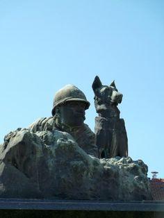 Monument aux morts – Place de Verdun – Pagny-sur-Moselle, Lorraine