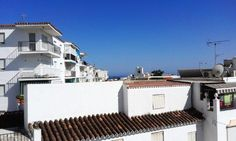 Reduced to 175,000 Euros, this Nerja 4 bedrooms traditional townhouse for sale in the most authentic part of the village. Would you like to live the traditional Andalusian life in this active coastal village of Nerja with all modern facilities? Read this! Spanish Estate, your Malaga real estate specialist in Nerja offers you this nice townhouse that is located in the most authentic part of Nerja. Within our category of traditional Malaga Estates, this awesome townhouse is built over 2…