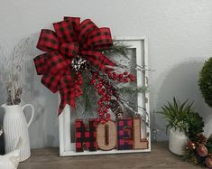A silver Christmas decoration - HomeCNB Picture Frame Wreath, Christmas Picture Frames, Picture Frame Crafts, Outdoor Christmas, Rustic Christmas, Christmas Diy, Christmas Wreaths, Christmas Windows, Handmade Christmas