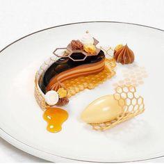 Art of coating - Art of coating, - - Desserts Creative Desserts, Gourmet Desserts, Fancy Desserts, Plated Desserts, Gourmet Recipes, Sweet Recipes, Dessert Recipes, Tart Recipes, Food Plating Techniques